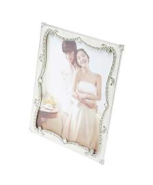 Porta retrato plástico perolado 20x25 cm strass